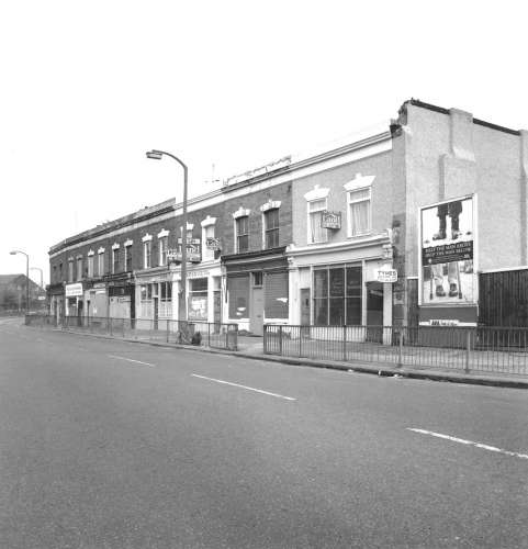 First Acme houses, Devon's Road, Bow, E2. Photo: John Riddy (1990)