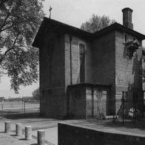 Dilston Grove, Concrete Quarterly, 1974, Church into Studio (photo: Trevor Jones)